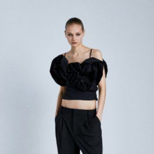NWT Zara Full Poplin Crop Top in Black